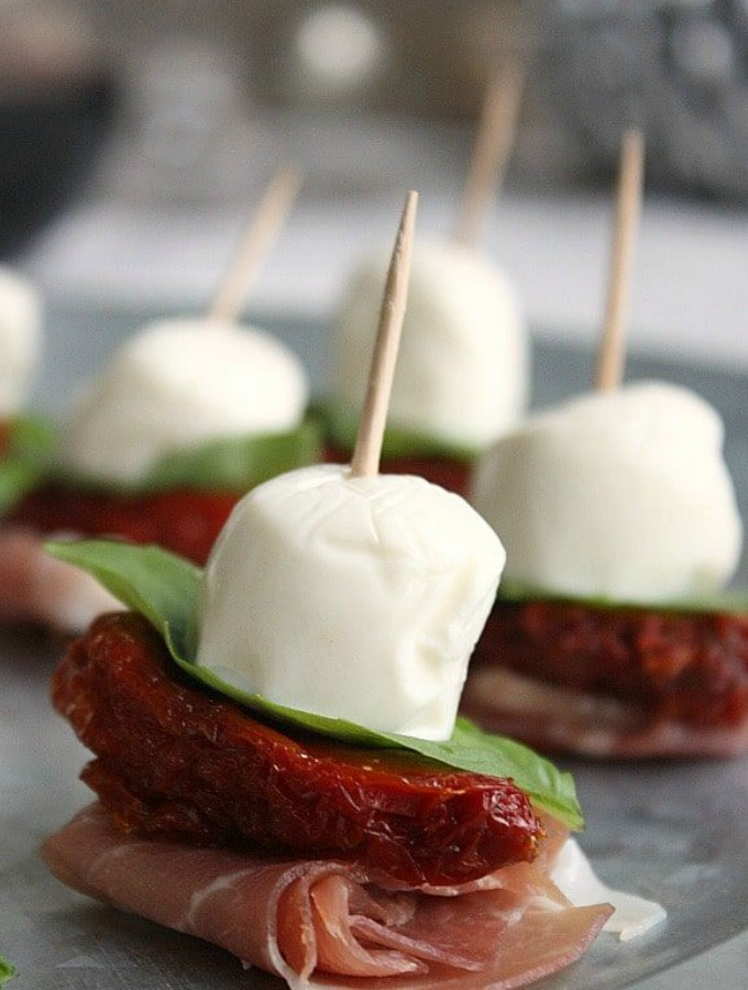 18 Keto Snacks and Appetizers That Are Party Favorites ...